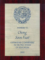 Hallmark of Excellence, Worldwide Outstanding Commitment to the PADI System of Education 2003.